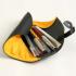 オレンジのペンケースの使用イメージです