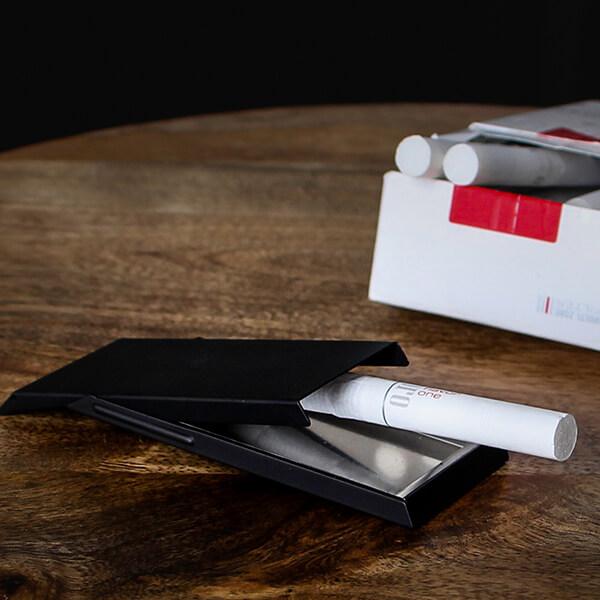 クラウストルム アッシュフラットナー ブラックマット 携帯灰皿