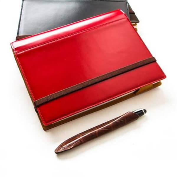 ブリットハウスの手帳カバー  THEME ガラスレザーシリーズ A5サイズ