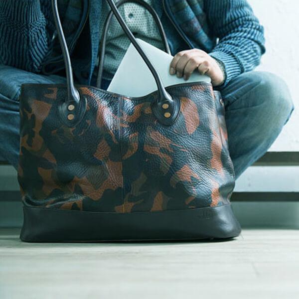 モブリス Camo Leather Tote Bag