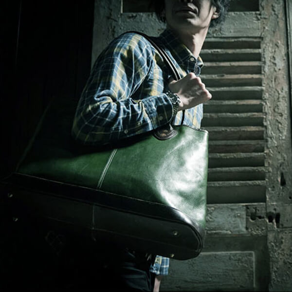 モブリス Aniline Leather Tote Bag